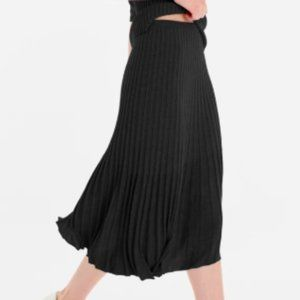 Black Accordion Pleat Maxi Skirt